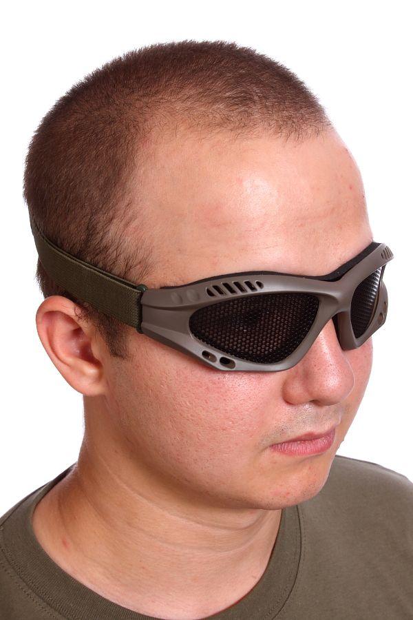 Страйкбольные очки – неотъемлемая часть экипировки каждого члена команды.